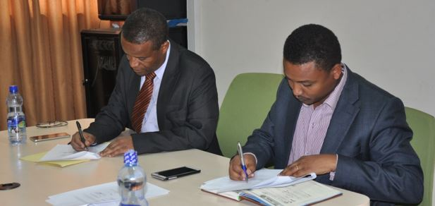 EPHI, St. Paul Medical College Signed MoU