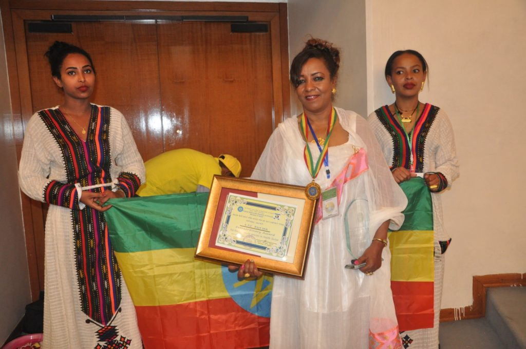 EPHI Staffs Awarded for Extraordinary & Life Time Service